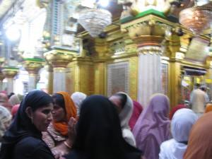 Devotees of Nizamuddin
